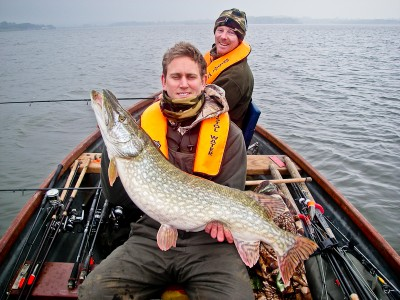 Rob Johnson with cracking 22lb 12oz pike from Chew valley on a Lure